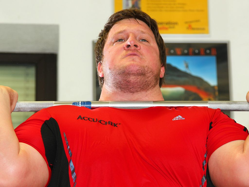 Matthias Steiner beim Gewichtheben