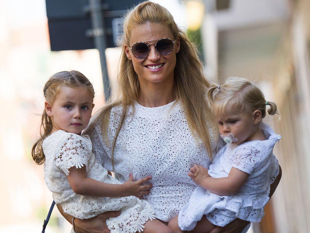Michelle Hunziker mit ihren Töchtern Sole und Celeste in Mailand