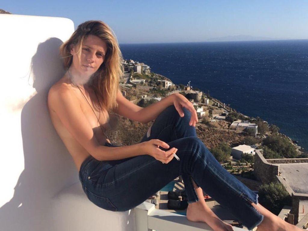 Mischa Barton in Griechenland