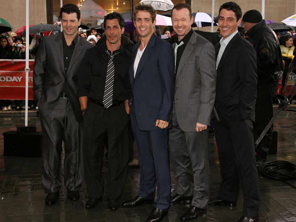 New Kids on the Block: Jordan Knight, Danny Wood, Joey McIntyre, Donnie Wahlberg, Jonathan Knight