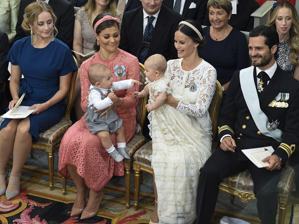 Prinz Oscar und Prinz Alexander mit ihren Mamas Victoria und Sofia