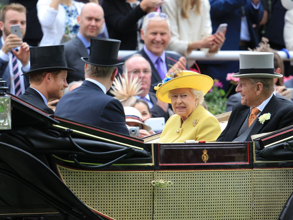 Queen Elizabeth II., Prinz Philip, Prinz Harry und Prinz Andrew beim Royal Ascot 2016