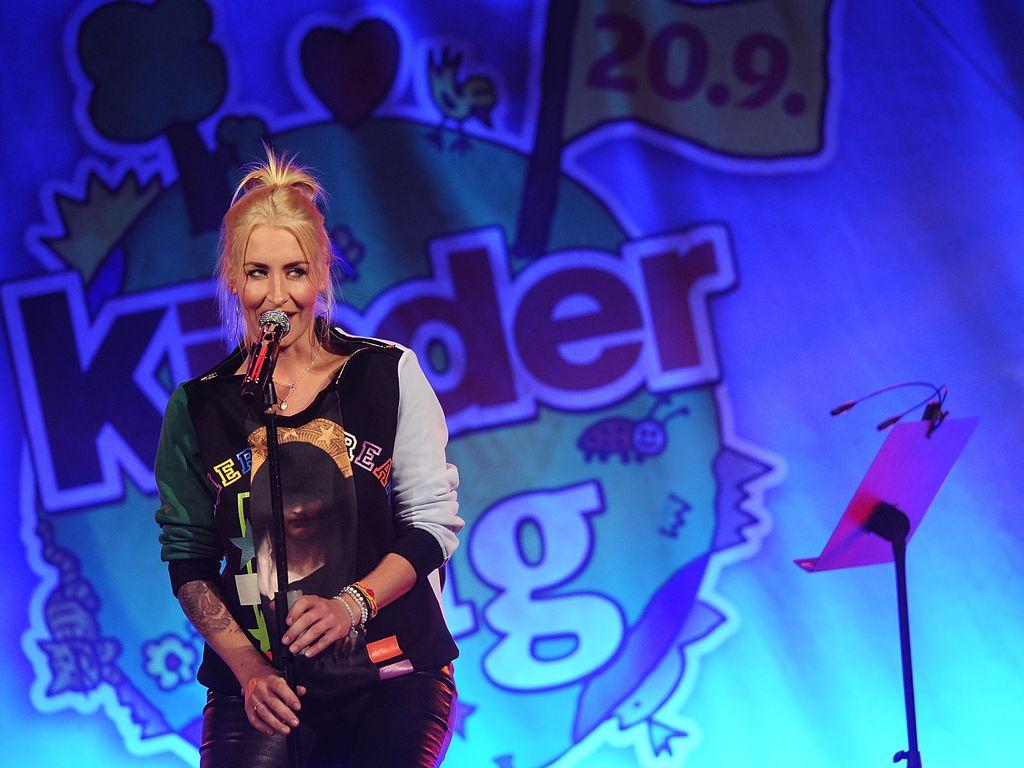 Sarah Connor singt beim Ferrero kinderTag 2013