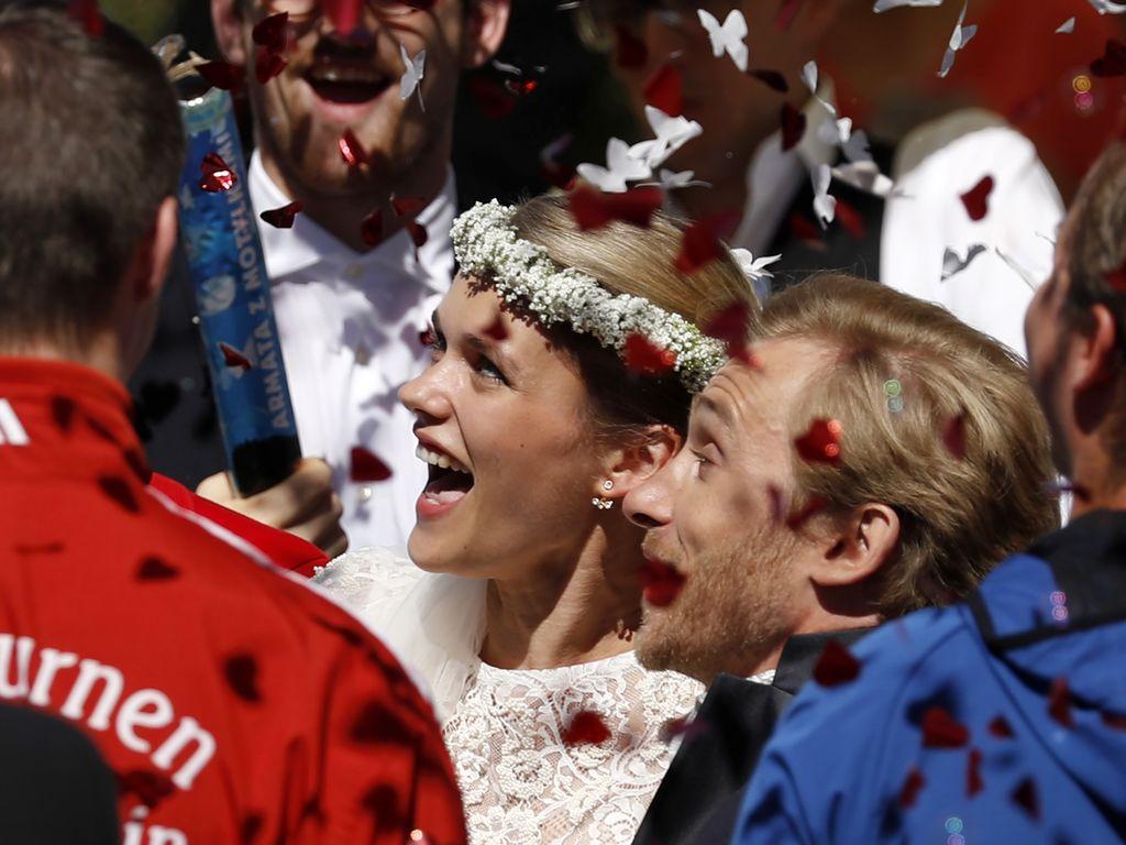 Samuel Koch und Sarah Elena Timpe bei ihrer Hochzeit 2016