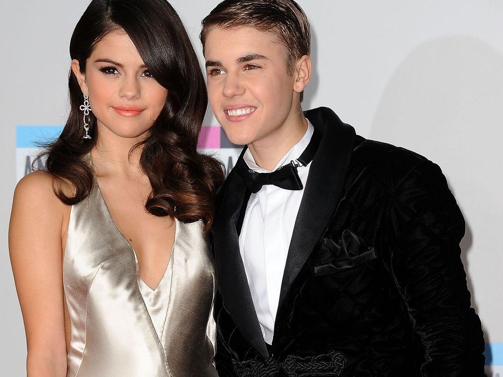 """Selena Gomez und Justin Bieber bei den """"American Music Awards"""" 2011"""