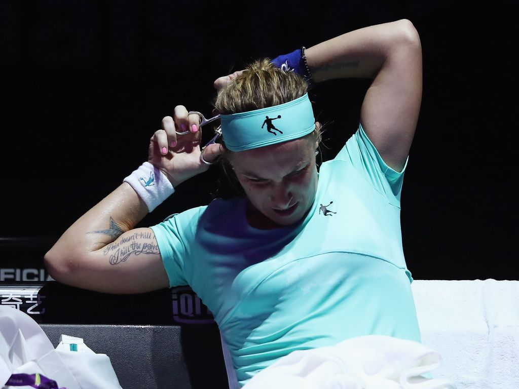Svetlana Kuznetsova schneidet sich den Zopf ab