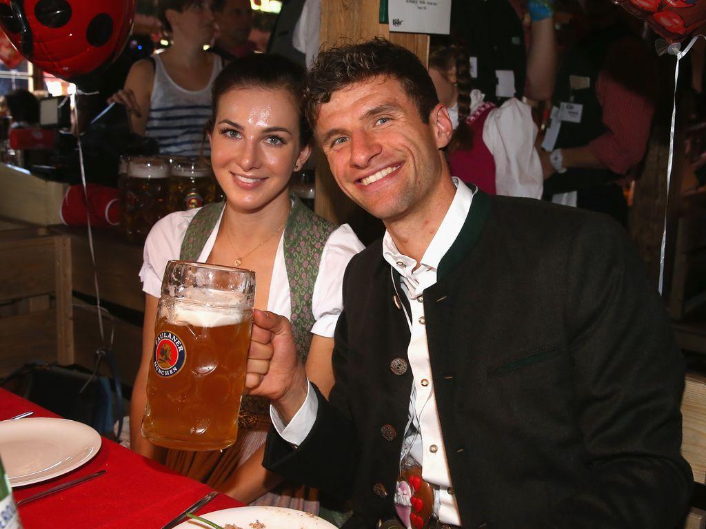 Lisa und Thomas Müller beim Oktoberfest 2015 in München