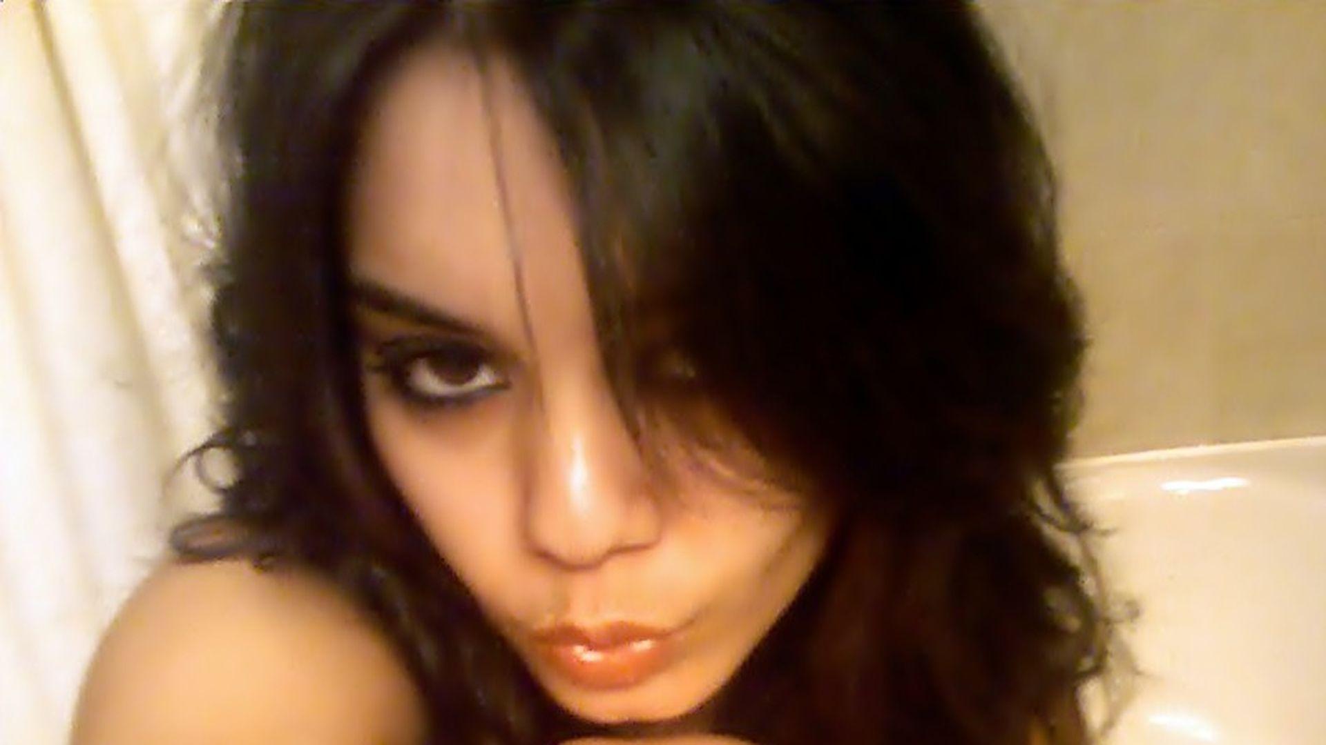 Vanessa hudgens nude fucking — img 10