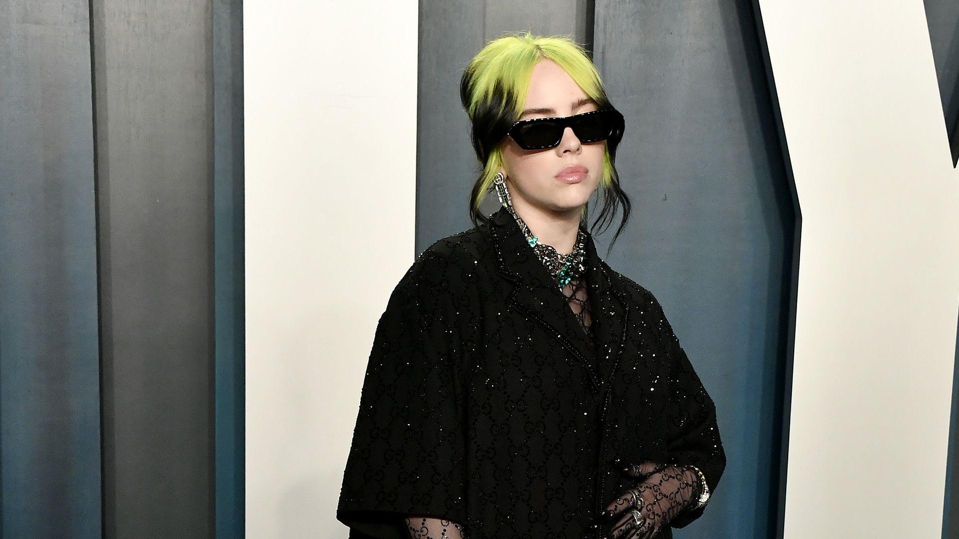 Billie Eilish Enge Kleidung