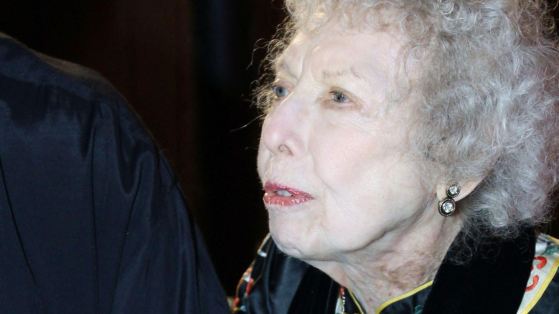 picture Elizabeth Webster