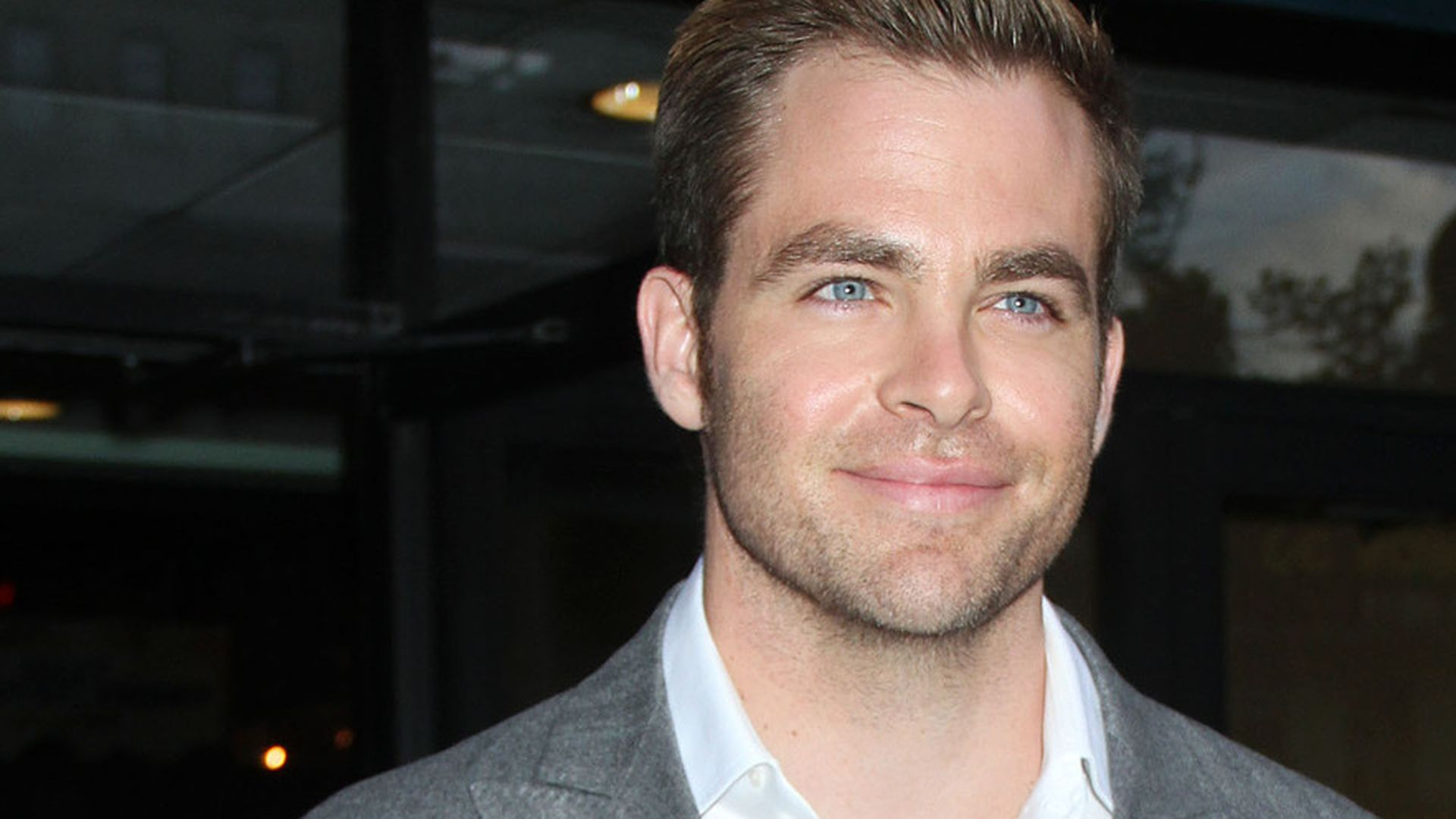 Is chris pine circumcised — photo 3