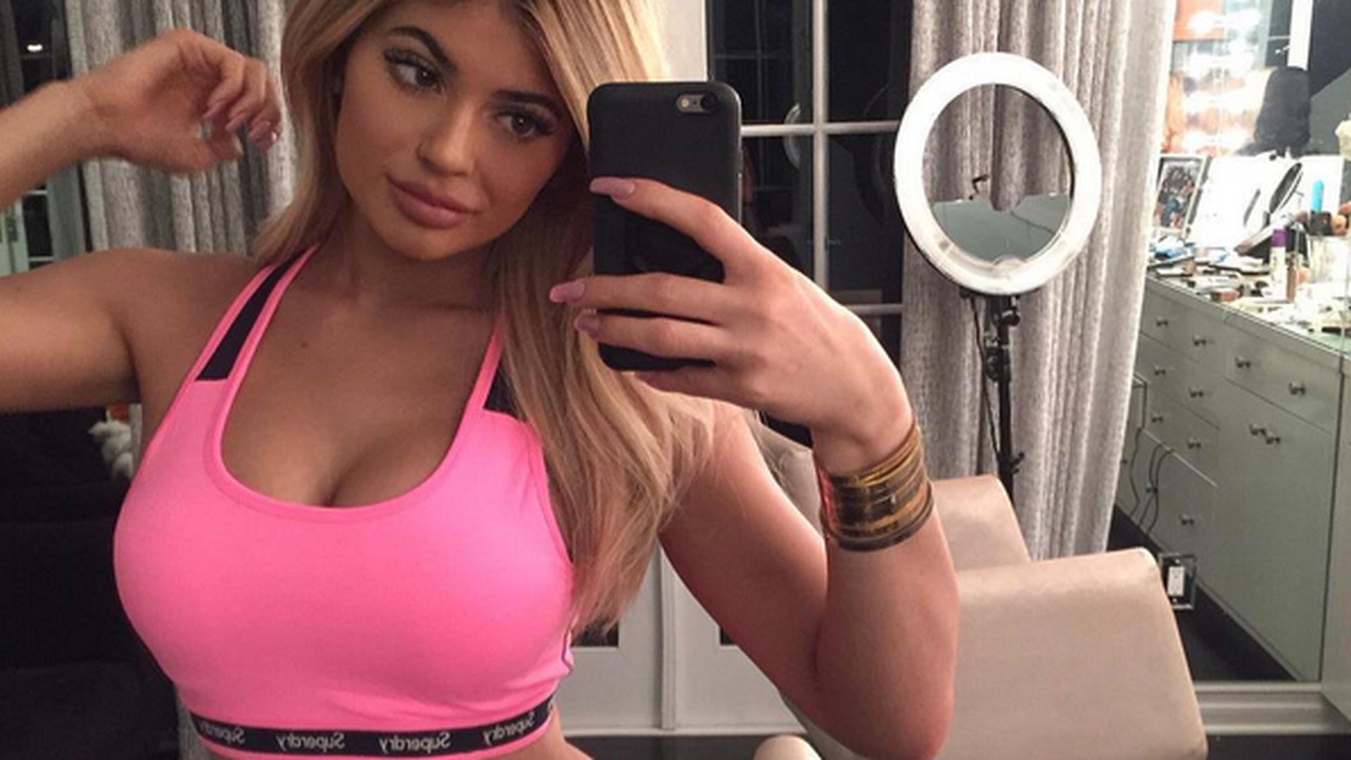 Doch keine Beauty-OP? Kylie Jenner hat echte Brüste