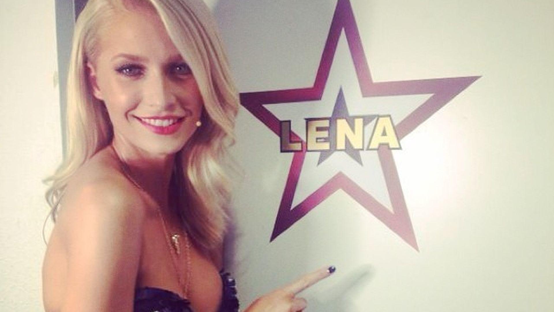 Cool Lena Gercke probiert trendige Bob Frisur aus