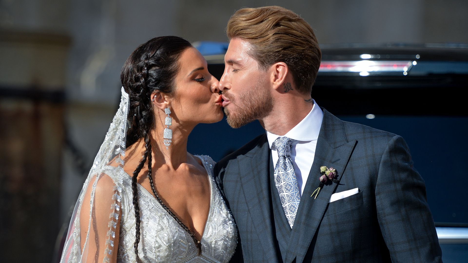 Schwarzer Strauss So Pompos Heiratete Pilar Sergio Ramos