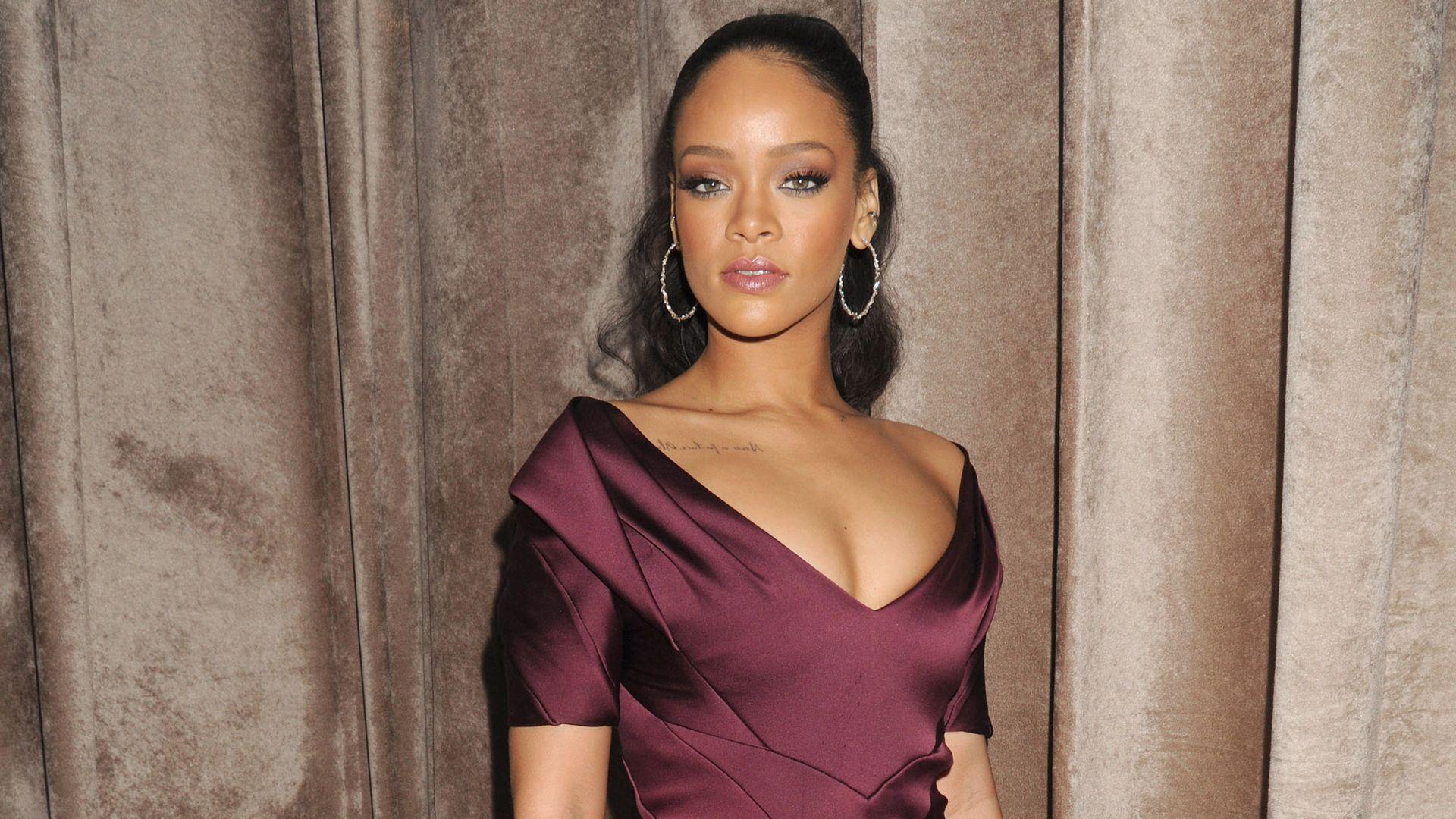 Rihanna ganz elegant: Warum auf einmal so brav?   Promiflash.de