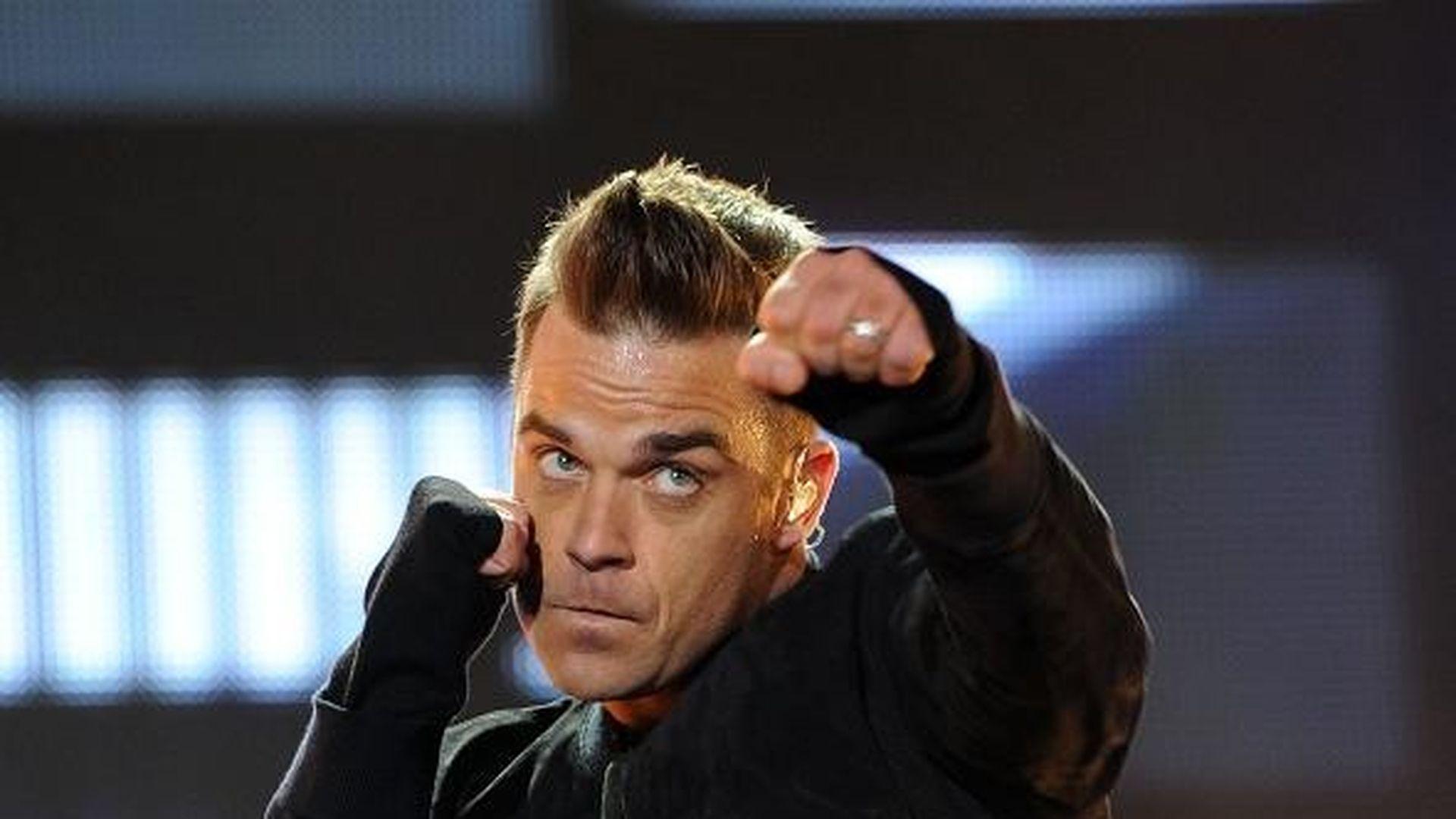 Robbie Williams wegen Hormonen fett | Promiflash.de