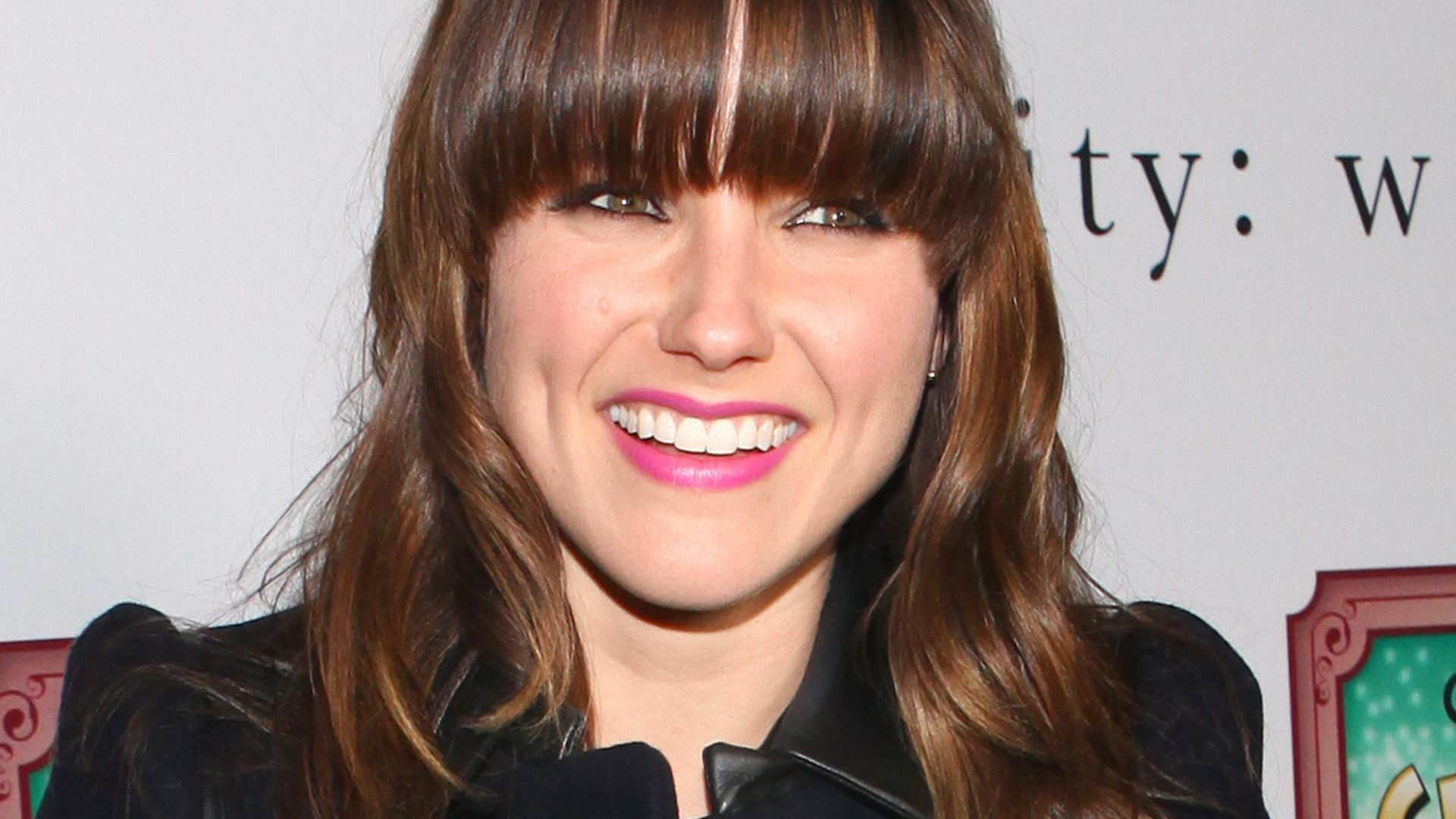 neuer look sophia bush tr gt jetzt pony. Black Bedroom Furniture Sets. Home Design Ideas