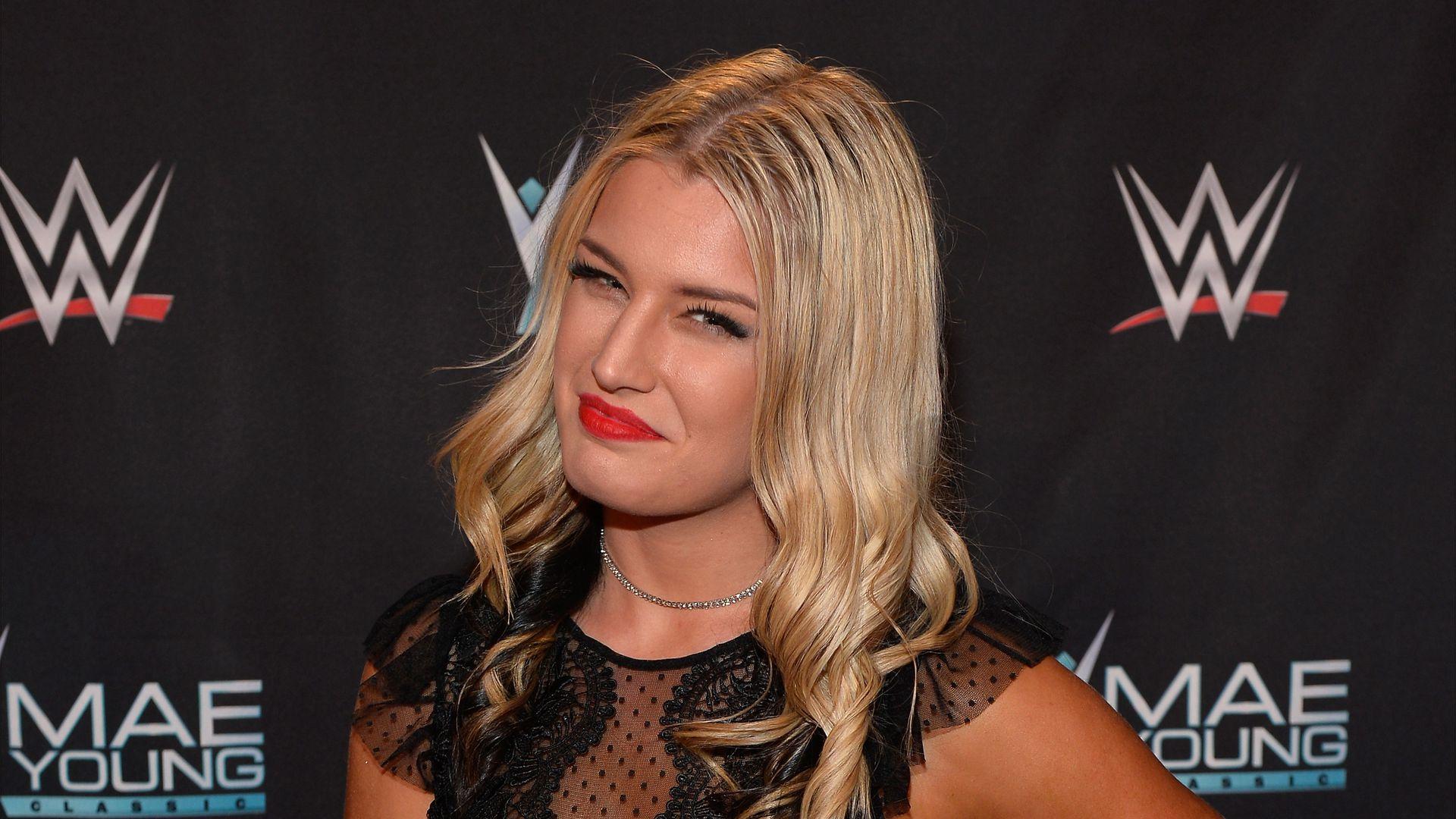 Paige nackt wrestlerin WWE star