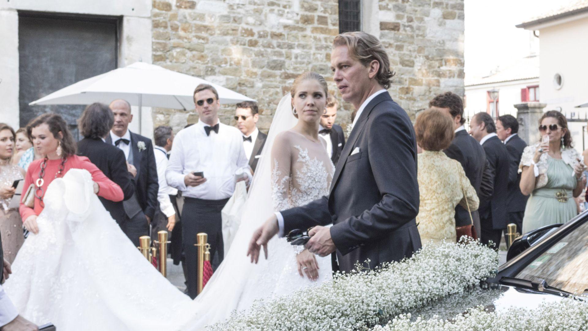 Wunderschone Braut 1 Pics Von Victoria Swarovskis Kleid