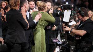 Mit Ring gesichtet: Hat Adele etwa ihren Simon geheiratet?