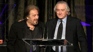 Robert De Niro ehrt Al Pacino bei American Icon Awards