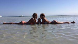 Alena Gerber mit ihrer Schwester Deborah