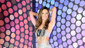 Glitzer-Fummel: So heiß feiert Alessandra Ambrosio Karneval