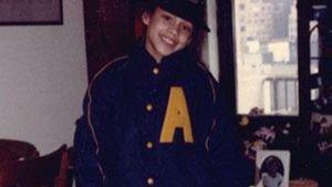 Alicia Keys als Kind mit Rollschuhen