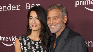 Erster Auftritt seit Monaten: Clooneys strahlen um die Wette