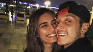 """""""Gesegnet"""": Neues Liebes-Selfie von Mesut Özil und Amine!"""