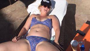 Beine breit gegen Body-Shame! Amy Schumers cooles Bikini-Pic