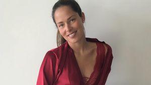 Heiß wie nie: Ana Ivanovic für Weihnachten in roter Spitze!