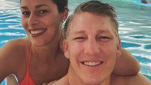 Zeit zu zweit: Basti Schweinsteiger & Ana planschen im Pool