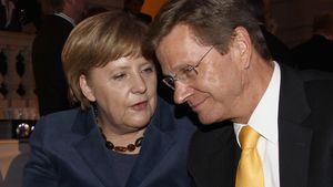 Rührende Rede: Angela Merkel verabschiedet Guido Westerwelle