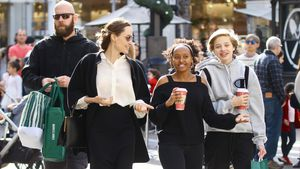 Last-Minute-Shopping: Angelina Jolie mit Töchtern unterwegs
