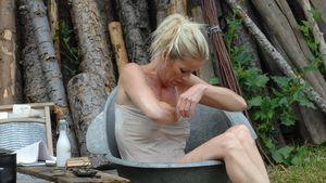 Sexy Alm-Video: Hier badet Anna Heesch!