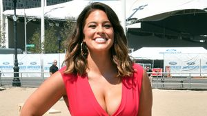 "Ashley Graham beim ""Sports Illustrated Summer of Swim Fan Festival"""