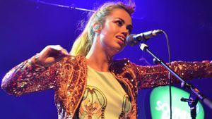 Aura Dione meldet sich mit neuem Album zurück!
