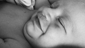 Süßer Babyspeck: Candice Swanepoels Sohn ist so niedlich