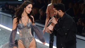 "Bella Hadid und The Weeknd bei der ""Victoria's Secret""-Show in Paris"