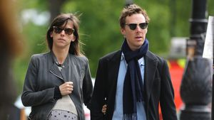 Benedict Cumberbatch & Sophie mit Riesenkugel on Tour