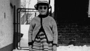 Hut & Sonnenbrille: So cool war Birgit Schrowange als Kind!