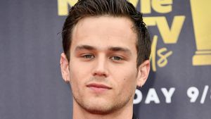 """Emotional: Outet sich """"13 Reasons Why""""-Star als homosexuell?"""