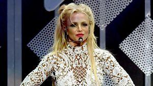 """Britney Spears auf der Bühne beim """"102.7 KIIS FM's Jingle Ball 2016"""" in Los Angeles"""