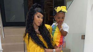 Mutter-Hate für Cardi B: Tochter (2) hat noch Schnuller
