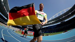 Sensation! Bruder von Olympia-Star Robert Harting holt Gold