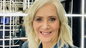 "Nach Exit bei ""Promi Big Brother"": Claudia verteidigt Senay!"
