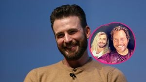 So witzig gratuliert Chris Hemsworth Kumpel Chris Evans