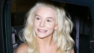Courtney Stodden beim Verlassen des ArcLight Theaters in Los Angeles