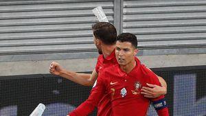 Während EM-Spiel: Cristiano Ronaldo mit Bierbechern beworfen